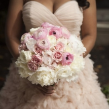 blush and white brides bouquet