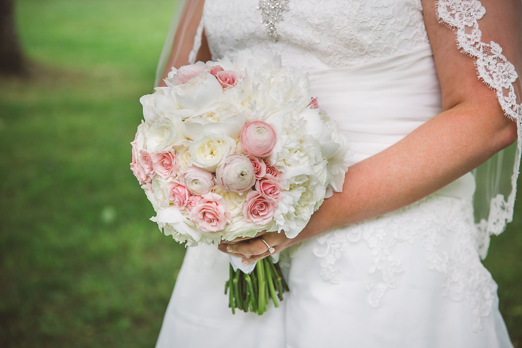 bride's bouquet, pink and white flowers
