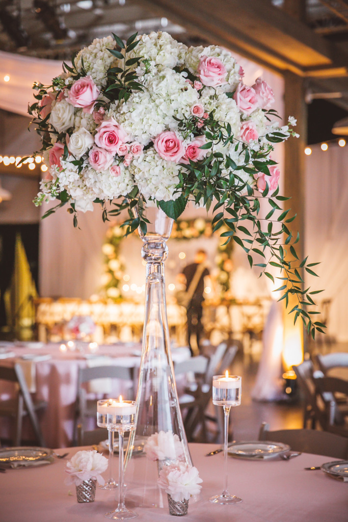 pink and white roses, centerpiece, nashville decor