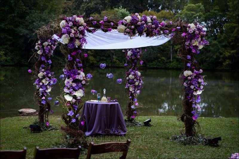 purple accent chuppah, luxury wedding, ceremony