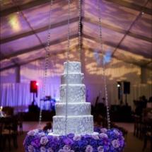 hanging cake, floating cake