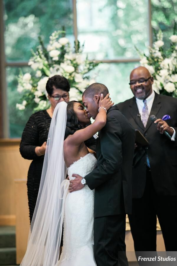 kiss the bride, church wedding