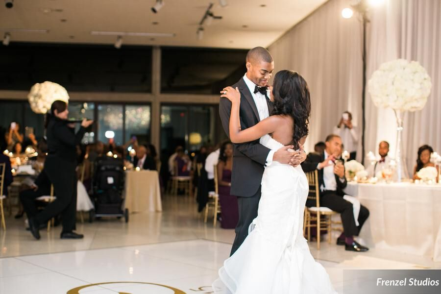 first dance, bride, groom