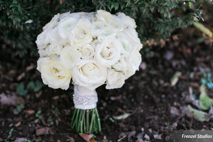 bride, bouquet, roses, bling, white brides bouquet