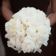 nfl wedding, all white bouquet