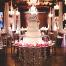 hanging cake, luxury cake, floating cake