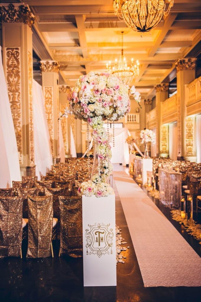 memphis wedding ceremony, large centerpiece