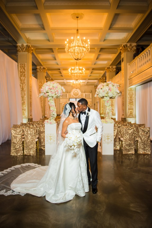 memphis wedding, bride and groom, cadre memphis, gold and white, regal