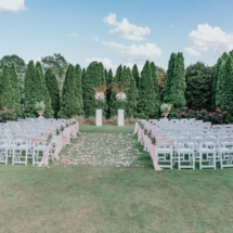 ceremony, outside, petals, centerpieces