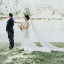 first look, bouquet, lace, train